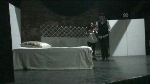 geleneksel-turk-tiyatrosu-koylerde-sahnelenec-8503652_x_300