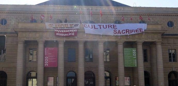 Fransa'da Kültür Emekçilerinin Odeon Tiyatrosu'ndaki İşgali Beşinci Gününde