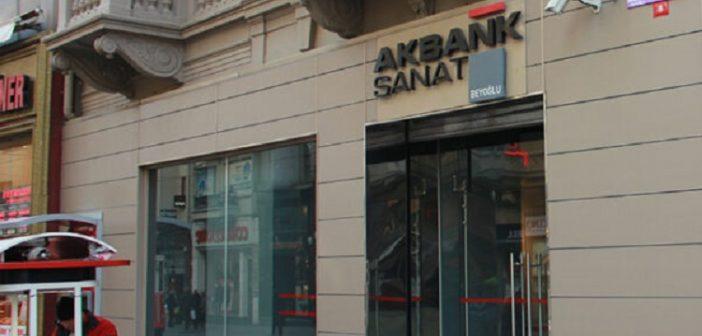 """Akbank Sanat: """"Dans Hep Var"""""""